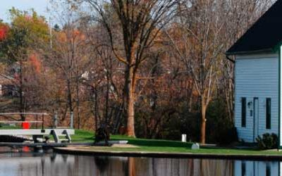 Take a short drive to Merrickville-Wolfordand to discover history, art, and gourmet cuisine in a beautiful Victorian village on the Rideau Canal